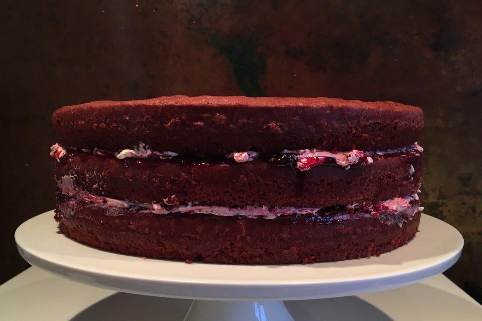 Red Velvet Cake uden pynt