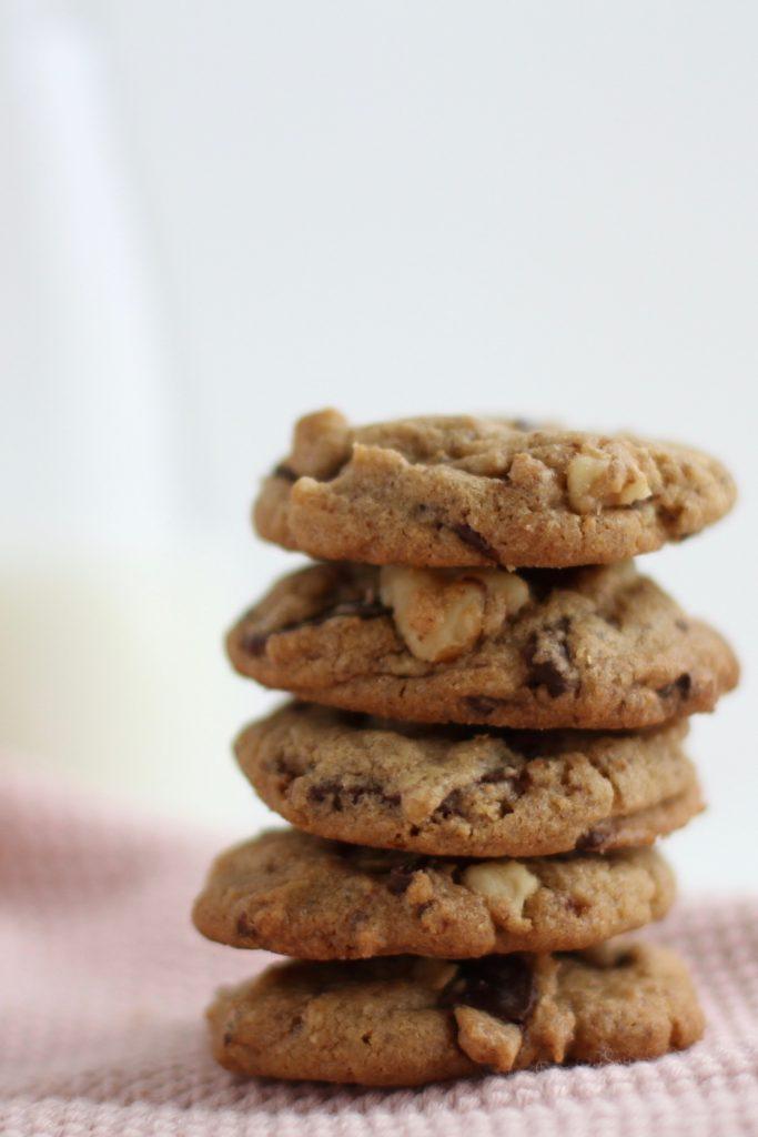 Chokoladecookies - de lækreste, chewy cookies, du kan ønske dig. Opskrift fra Bagvrk.dk.