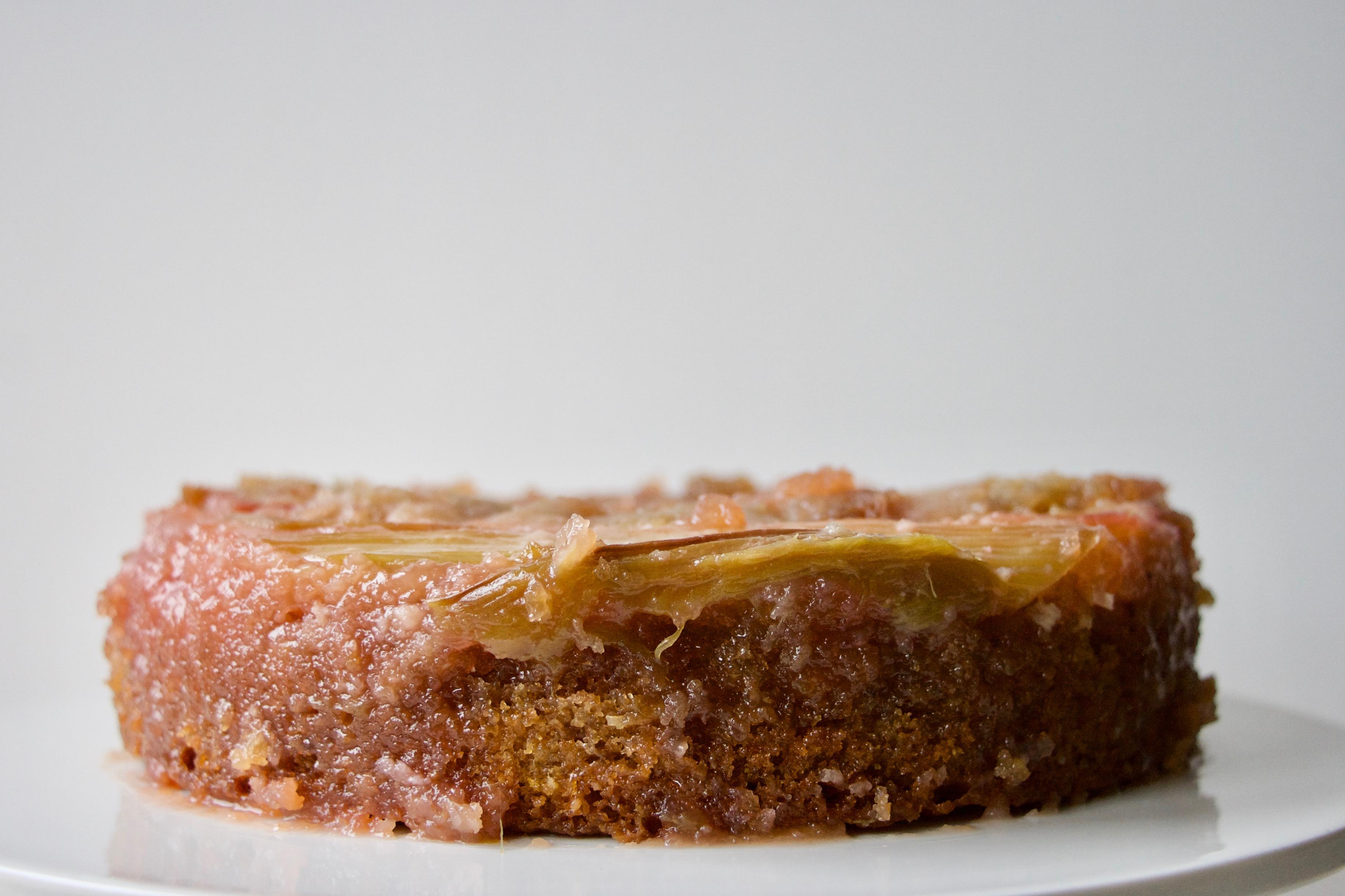 Rabarber upside-down kage