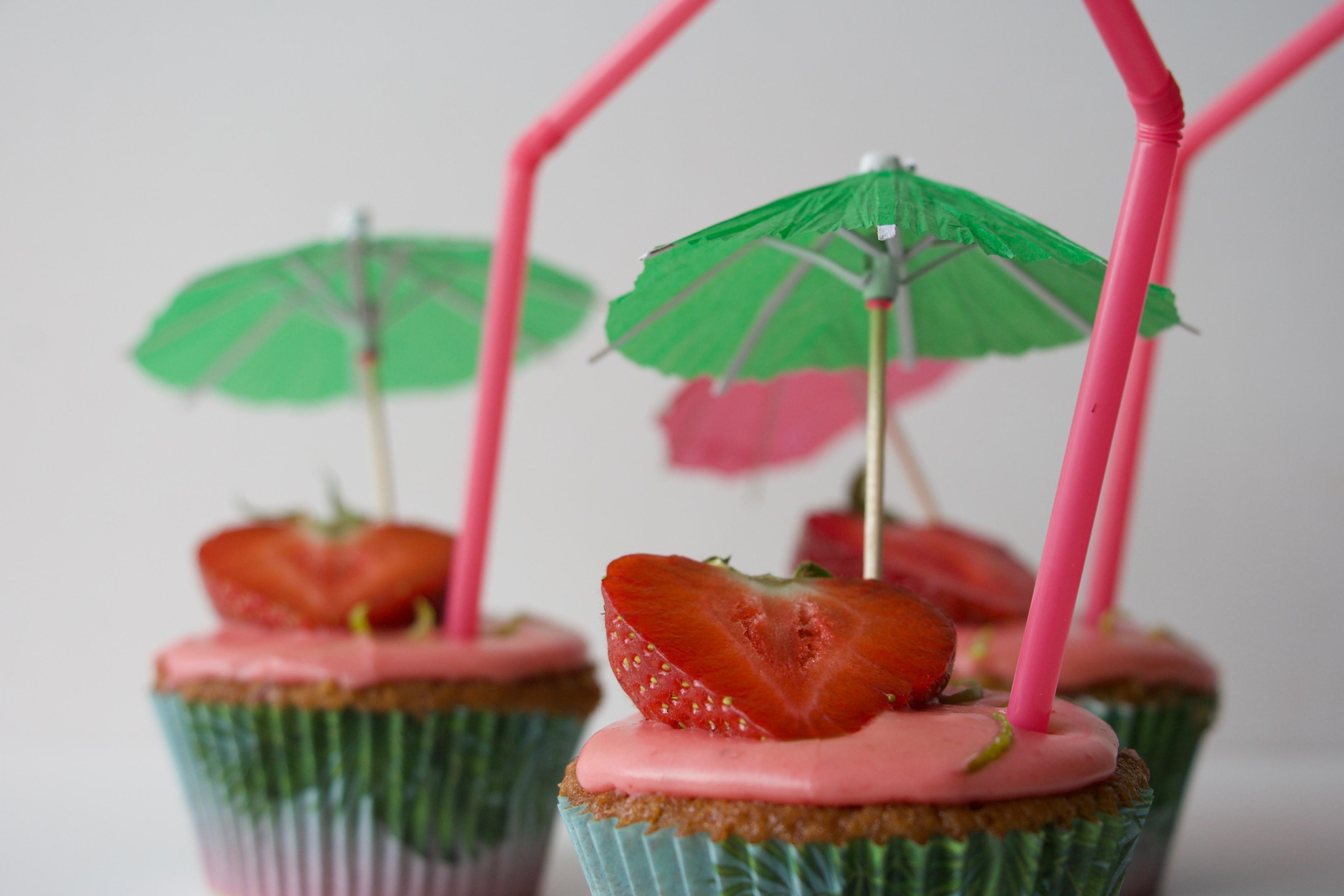 Stawberry daiquiri cupcakes