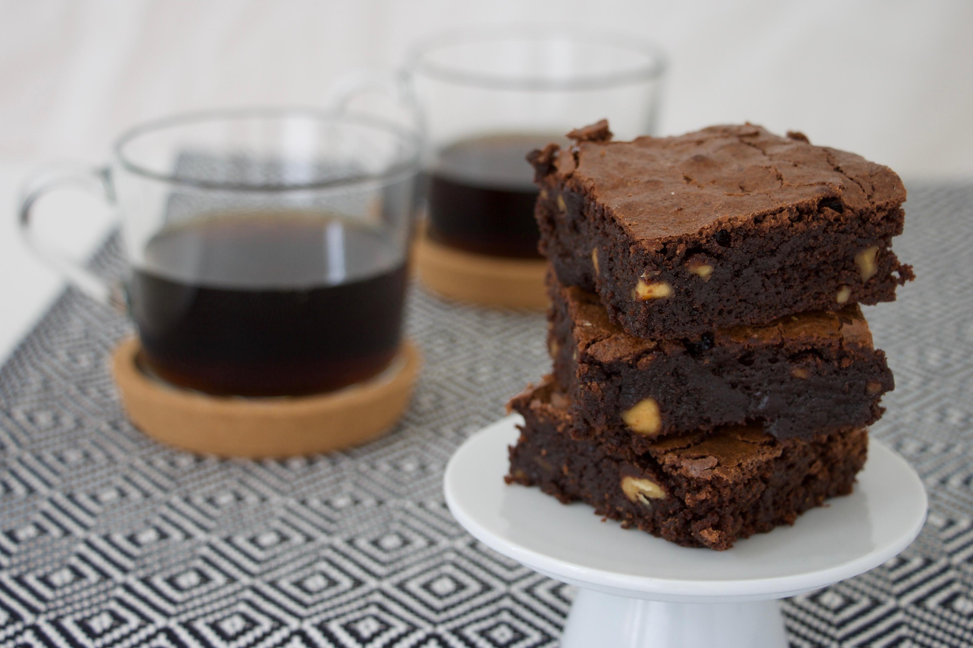 Verdens bedste brownie – med kokosmousse