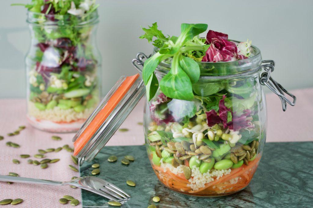 Salat i glas - vitaminer til madpakken og øjnene - Bagvrk.dk