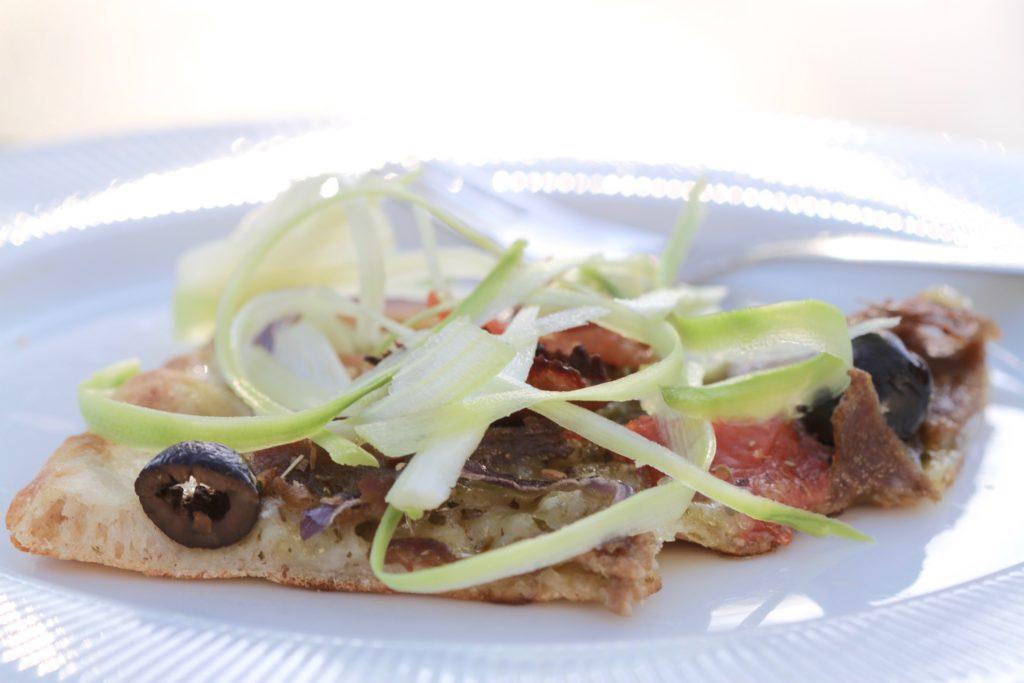 Surdejspizza - den bedste pizzabund, du nogensinde vil lave! En opskrift fra Bagvrk.dk.