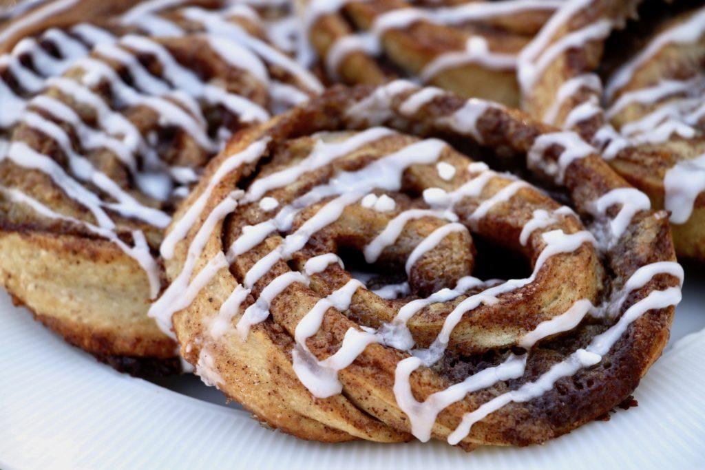 Sourdough cinnamon rolls. A classic recipe from Bagvrk.dk.