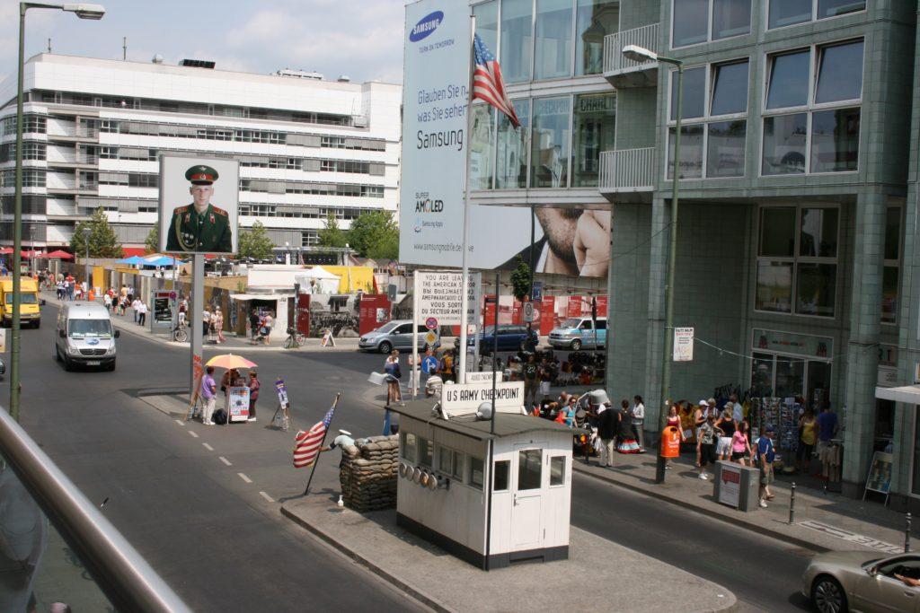 Yndlingssteder i Berlin, Checkpoint Charlie