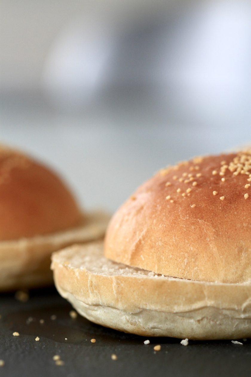 Durumburgerboller - En luftig opskrift fra Bagvrk.dk.