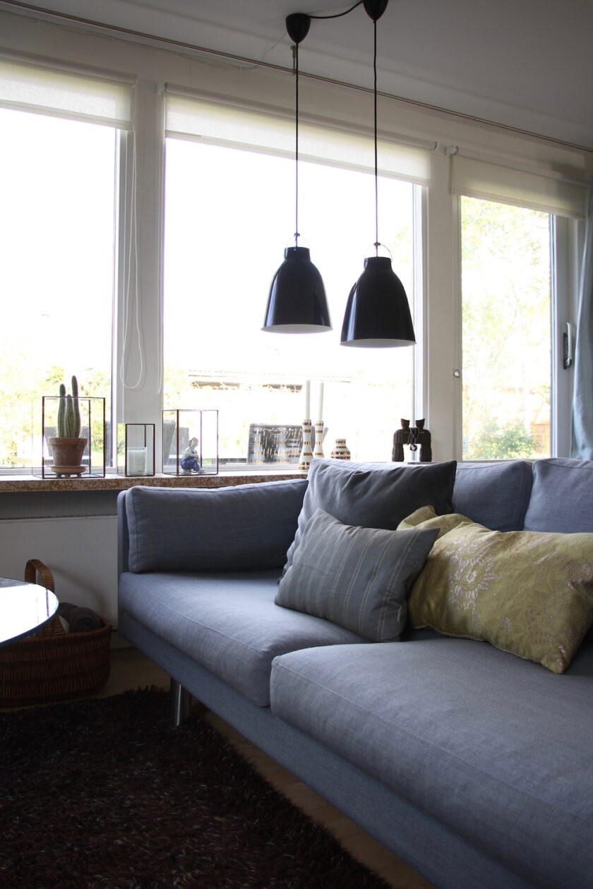 Sofa med rystede puder. Efter-billede af Fix din sofa, mandagstip.