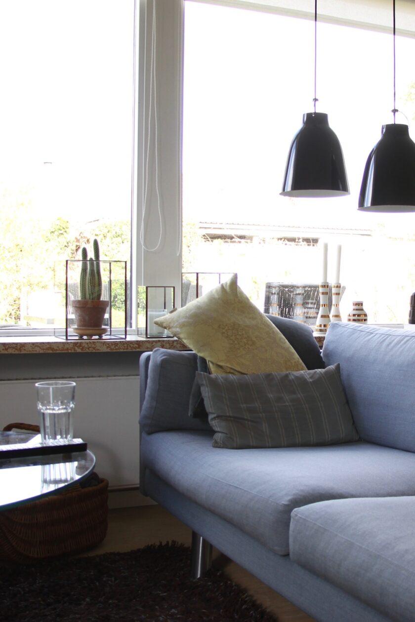 Førbillede af Fix din sofa. Mandagstip. Sofa med flade puder.