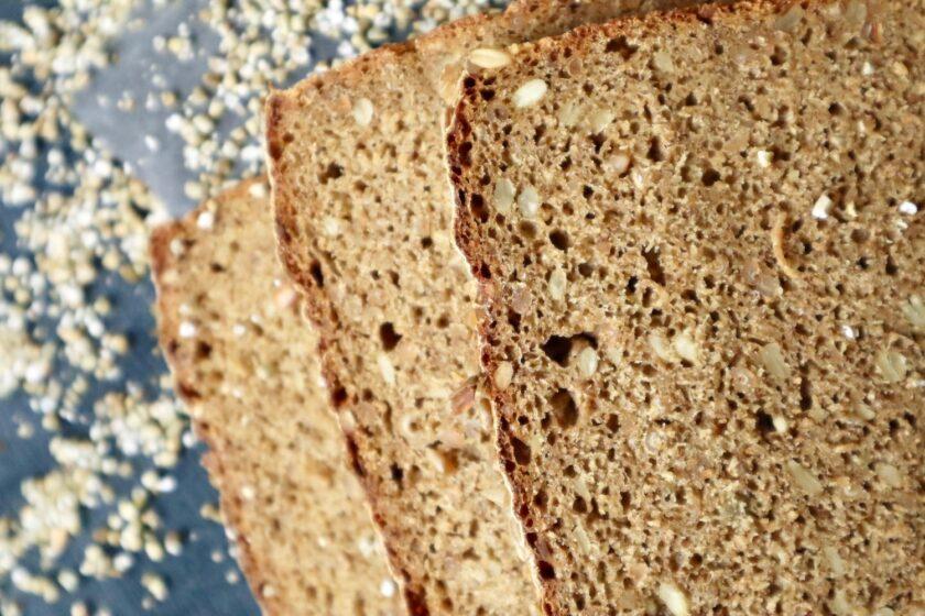 Lækker krumme i rugbrød uden surdej - Bagvrk.dk