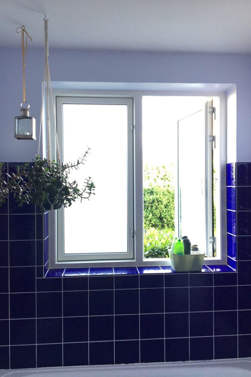 Ryd op i dit badeværelse - samlet kurv til shampoo plante lys vindue Bagvrk.dk