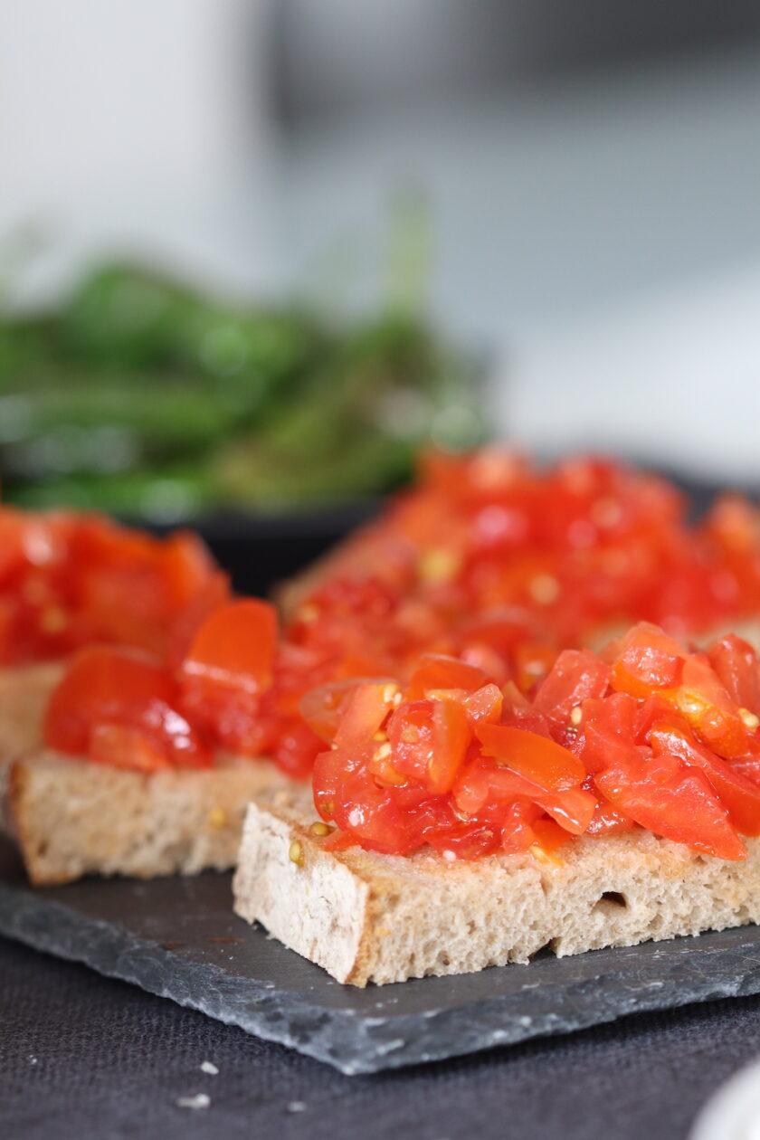 Pan con tomates brød med tomater tapas højformat Bagvrk.dk