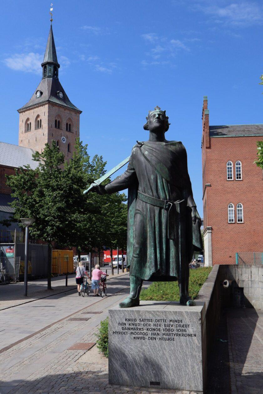 Statue af Knud den Hellige Odense Bagvrk.dk